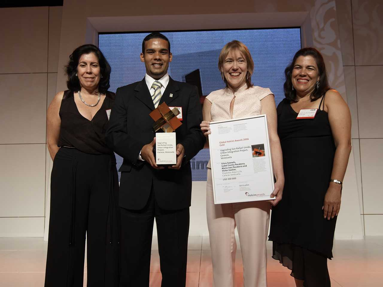 "Global Holcim Awards 2006 Gold - Venezuela: ""Upgrading San Rafael-Unido, Urban Integration …"