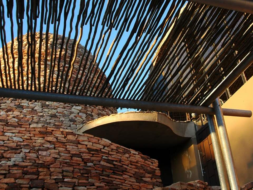 "Project update 2011 - ""Stabilized earth visitors' center, Mapungubwe National Park, South …"