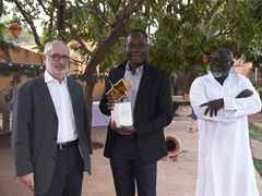 Media conference and prize-handover reception in Ouagadougou, Burkina Faso (l-r): Rolf Soiron, …