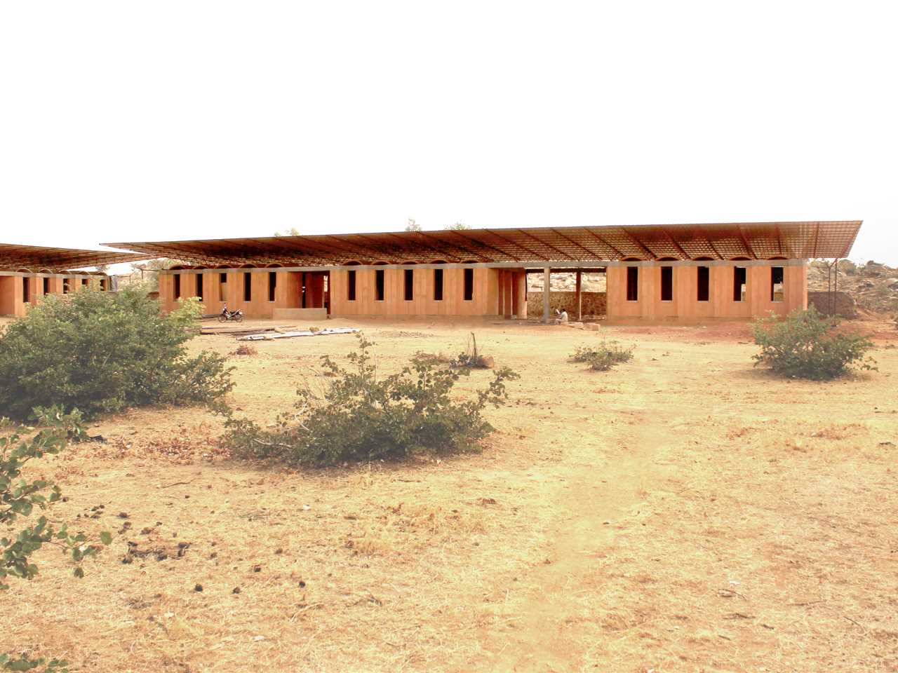 Project update March 2014 – Secondary school with passive ventilation system, Gando, Burkina Faso