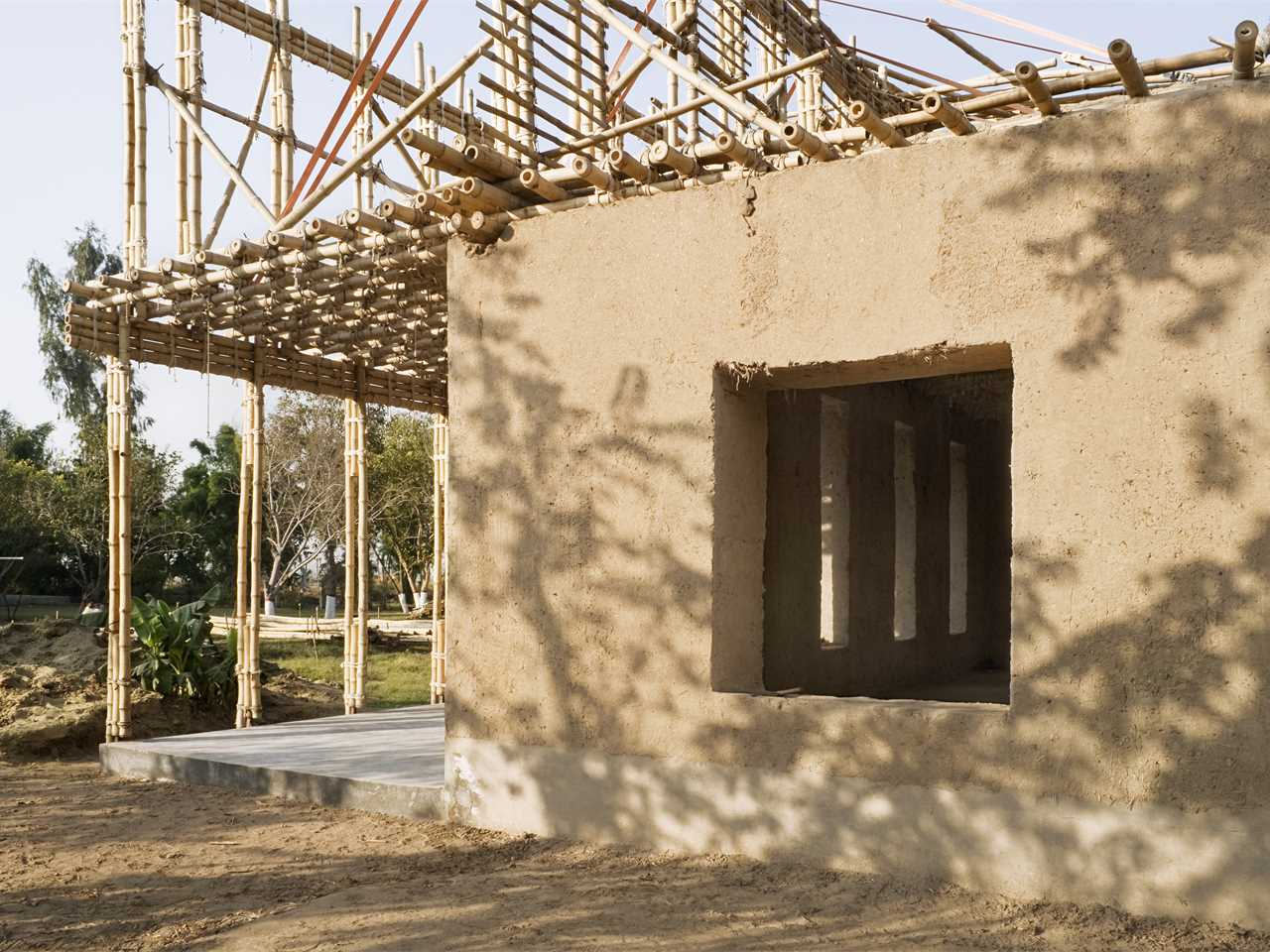 Project update April 2014 – Locally-manufactured cob and bamboo school building, Jar …