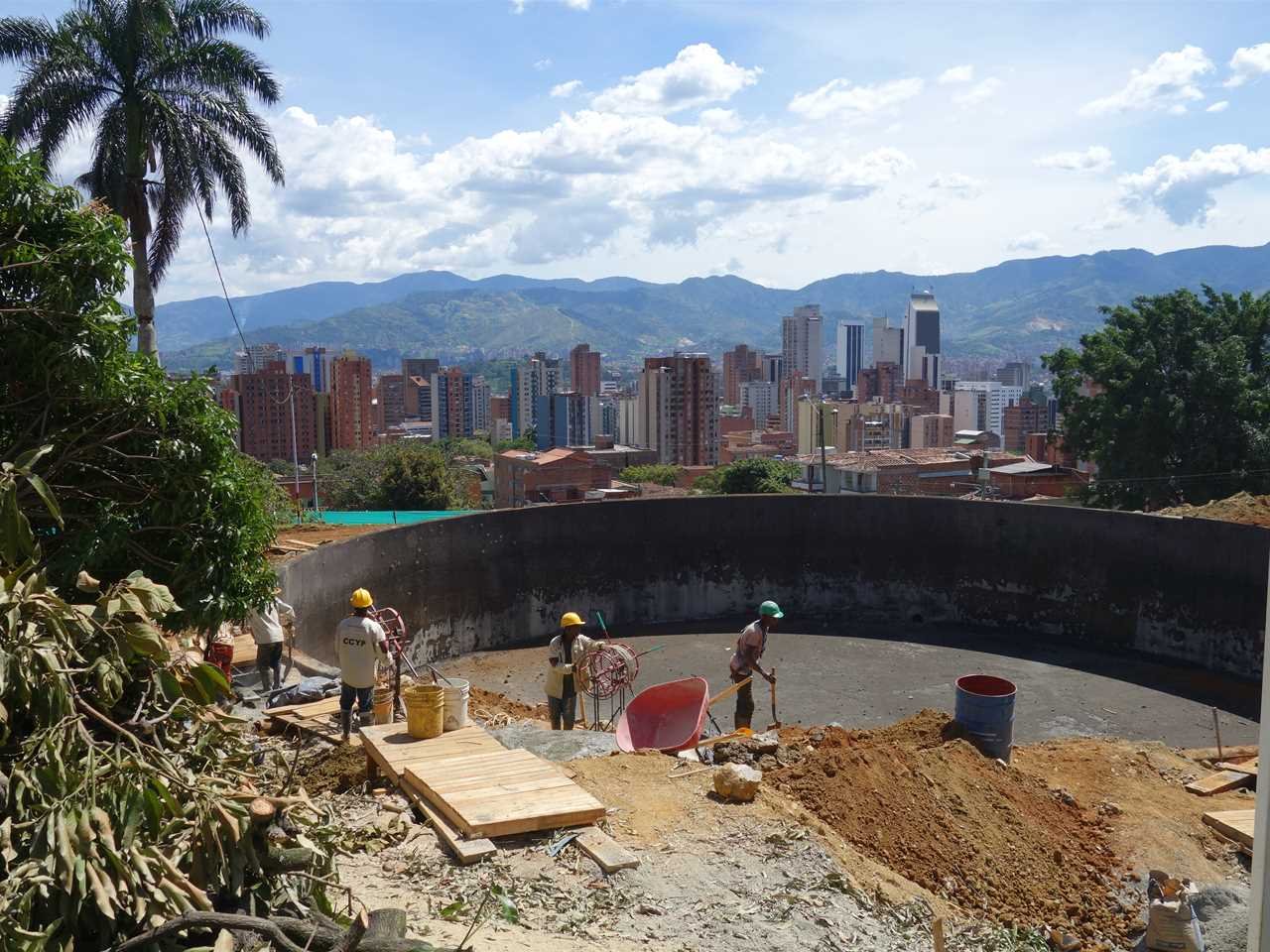 Project update April 2015 – Articulated Site: Water reservoirs as public park, Medellín, Colombia