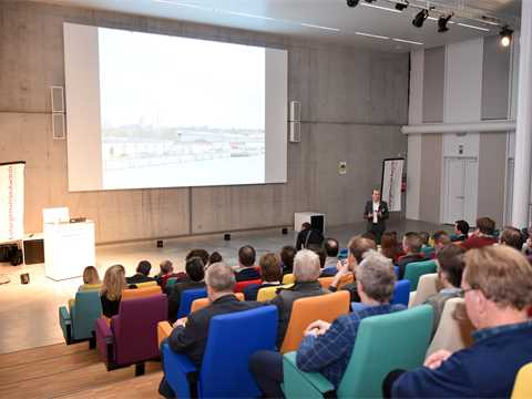 A18_Event_Belgium_Borret_and_Audience.jpg