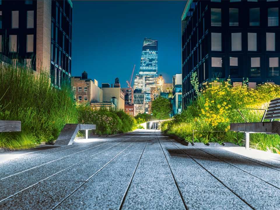 Accelerating green building for resilient cities